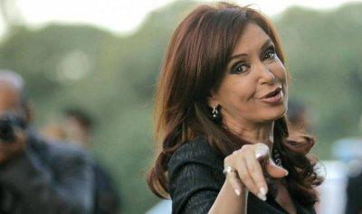اتهام رئيسة الأرجنتين السابقة بالفساد