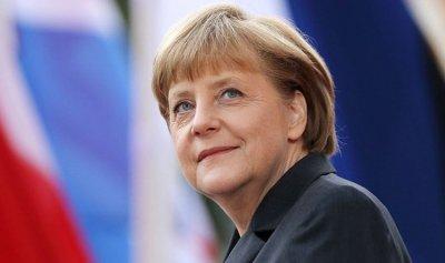 ميركل: لتعزيز قدرات الاتحاد الأوروبي الدفاعية