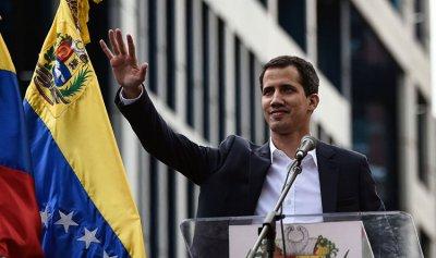 غوايدو يرحب بالعقوبات ضد فنزويلا