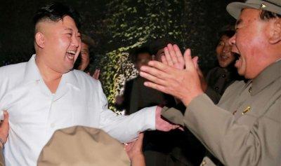 زعيم كوريا الشمالية يشرف على إختبار سلاح جديد مضاد للطائرات