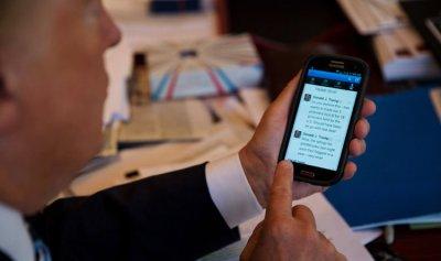 ما هو التطبيق الوحيد المحمّل على هاتف ترامب ؟