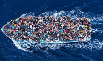 خفر السواحل الإيطالي ينقذ 170 مهاجرا في المياه الدولية