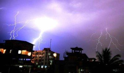 الأمطار والصواعق تقتل 43 شخصا في الهند