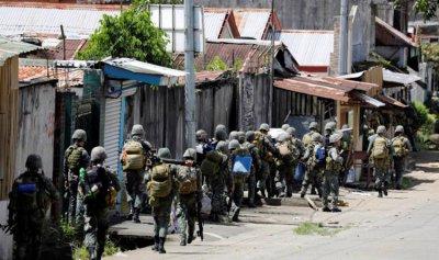 """وزير الدفاع الفيليبيني يعلن إنتهاء خمسة أشهر من المعارك ضد """"داعش"""""""