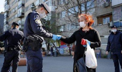 """تشديد القيود لمنع انتشار """"كورونا"""" في رومانيا"""