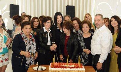 بلدية الفيدار تكرم الامهات في عيدهن