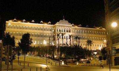 استمرار تعطل عمل الحكومة يهدد بدخول لبنان في الكوما