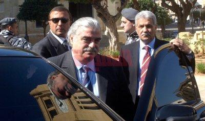 التسوية المطلوبة: من استقالة رفيق الحريري 2004 إلى استقالة سعد الحريري 2017