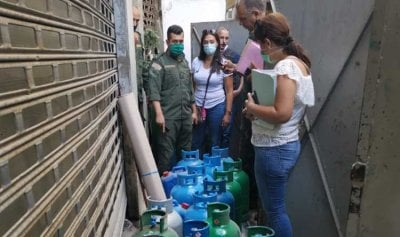 قوارير غاز داخل مستودع بمبنى سكني في مار مخايل