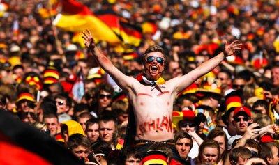 مش مع المانيا؟ فلّ من وجي!!… حلو المونديال!