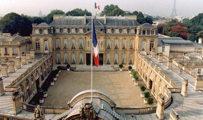 باريس تُحذّر: لبنان يُقلِقنا