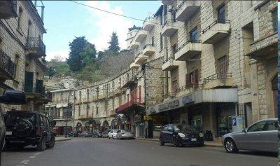 جريح اثر حادث سير في عاليه