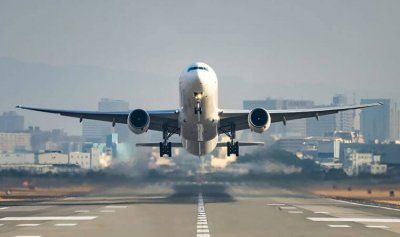 طائرة جديدة وصلت بيروت من إيران