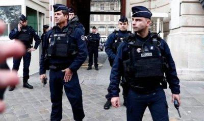 الشرطة الفرنسية قتلت رجلاً هدد المارة بسكين