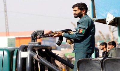 شرطيان يقتلان 11 من زملائهما في أفغانستان