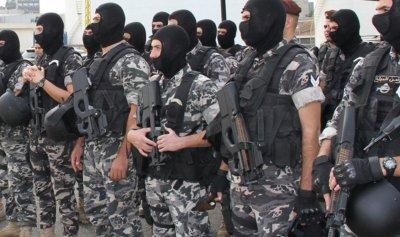 القبض على عصابة تروج عملة مزورة في الكورة