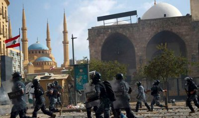 محافظ بيروت يمنع إخراج أي سيارة اسعاف لقمع الثوار