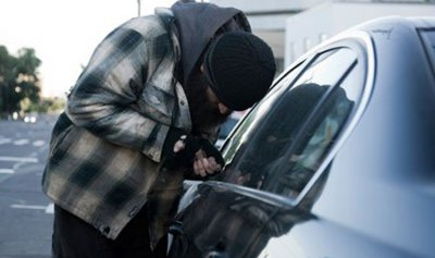 باع سيارة والده وادعى سرقتها انتقاماً منه