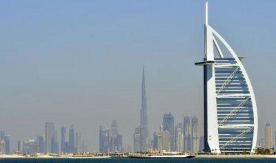 """بالفيديو: شتوية بـ""""عز الصيف"""" في الامارات"""