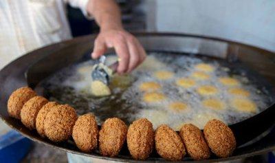 """الفلافل لم تعد """"أكلة الفقراء"""" في لبنان"""