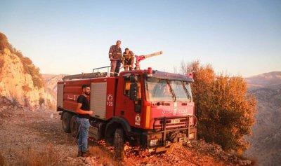 حريق بين مزرعة الشوف وغريفة والطوافات تتدخل لتطويق النيران