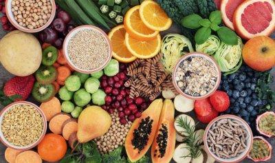 لتعزيز صحة الجهاز الهضمي… ما الأطعمة الغنية بالألياف؟