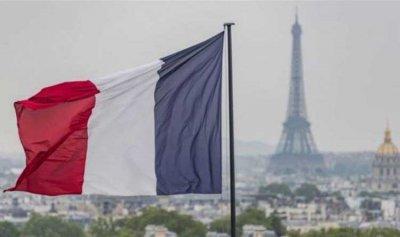 """فرنسا تعزز وجودها عسكريا في """"المتوسط"""""""