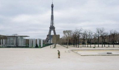 فرنسا تطلب أكثر من مليار كمامة واقية