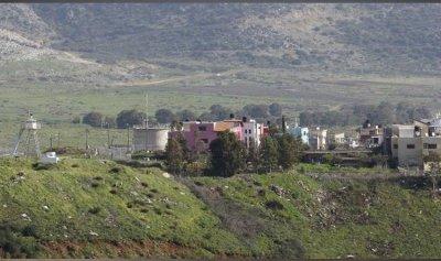 قنابل مضيئة فوق بلدة الغجر