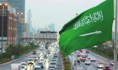 السعودية: نحن نرسل السياح إلى لبنان وإيران ترسل الإرهابيين إليه