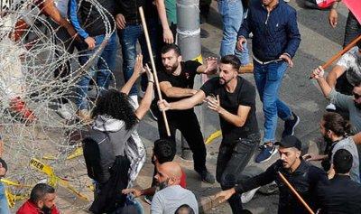 """إيران العاجزة تستحضر """"شمّاعة"""" إسرائيل في لبنان"""