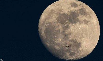 ناسا تتحضر لإرسال كبسولة مأهولة إلى القمر