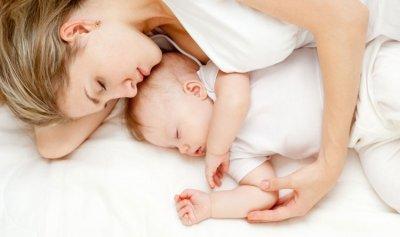 فوائد الحضن لطفلك