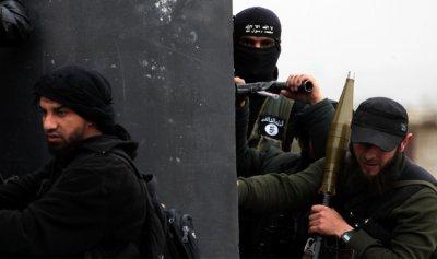 """""""النصرة"""" تستغيث بالمدنيين في جرود عرسال"""