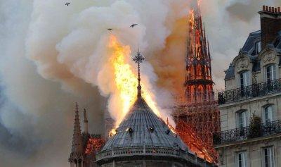الصورة الأولى من داخل كاتدرائية Notre Dame بعد الحريق