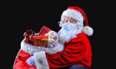 """رئيس وزراء بريطانيا يطمئن طفلة قلقة: """"بابا نويل قادم"""""""