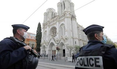 القبض على 6 جنود أداروا شبكة دعارة في فرنسا