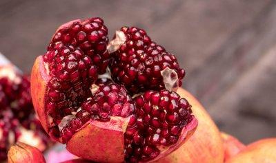 للقضاء على السرطان والشيخوخة… أكثروا تناول الرمان
