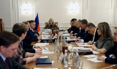 """""""كورونا"""" تقيد حركة المواصلات بين روسيا والصين"""