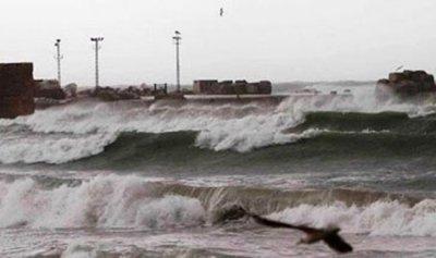 العاصفة شلت حركتي الملاحة والصيد البحري في صيدا