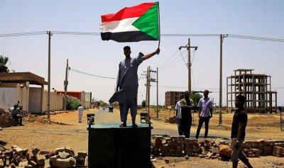 """وسط تأهب أمني… """"المليونية"""" السودانية تنطلق"""