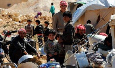 70 نازح من لبنان الى سوريا
