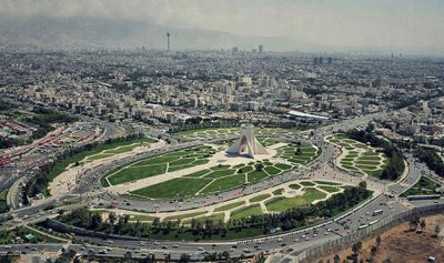 توقيف إيراني يحمل حزاماً ناسفاً في طهران