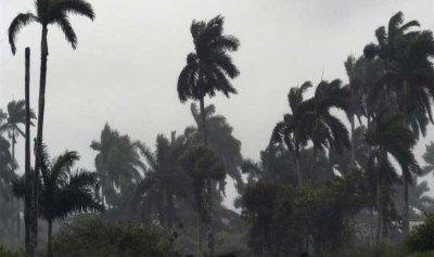 بالفيديو: اعصار يجتاح شواطئ بلجيكا