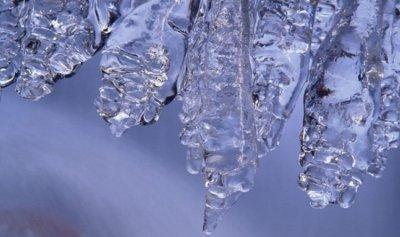 ضباب وإرتفاع الحرارة وجليد على الطرقات الجبلية الإثنين
