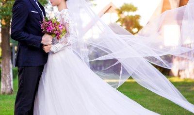 العثور على عروسين جثتين بعد زفافهما بساعات