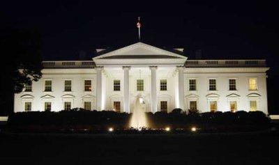 """إصابة أحد مراسلي البيت الأبيض بـ""""كورونا"""""""
