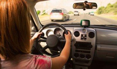 ضبط 34 سائقًا لتعاطيهم المخدرات أثناء القيادة