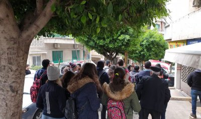 بالصور: وقفة احتجاجية لطلاب الحكمة الثوار