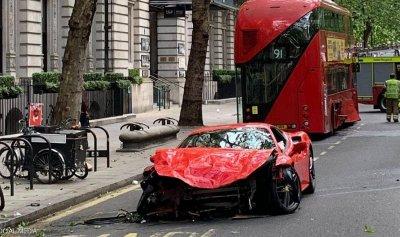 بالصورة: نجاة مغني راب بريطاني من حادث مروع